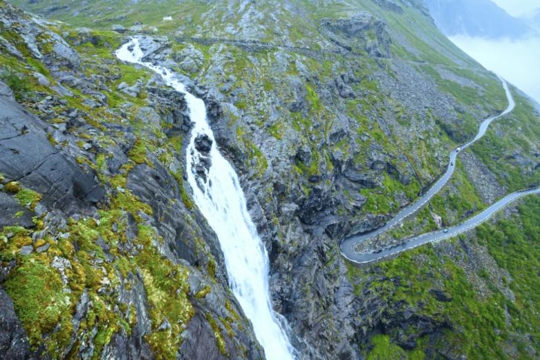 Водопады около Дороги троллей