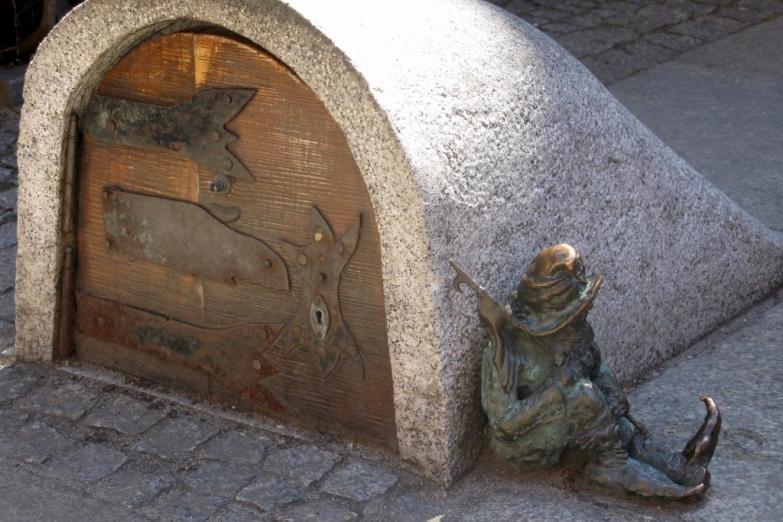 Вход в подземный мир гномов во Вроцлаве