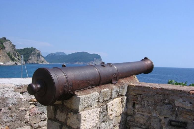 Пушки крепости Кастелло
