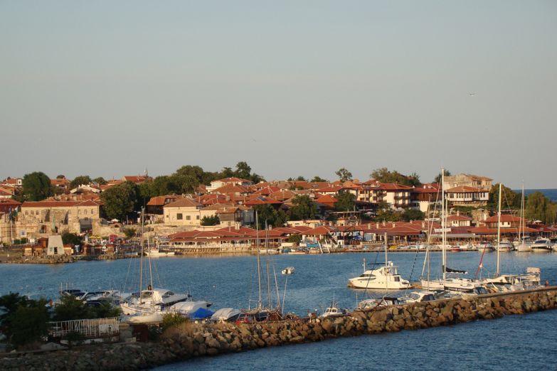 Вид на гавань в Несебре