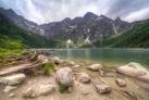 Горное озеро Морской глаз в Татрах