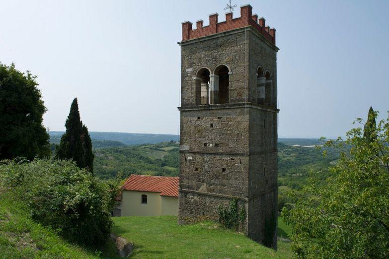 Старинная башня