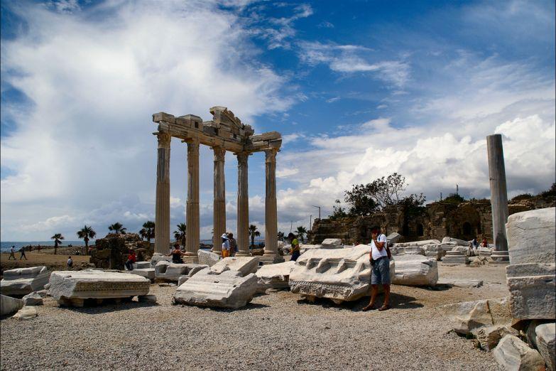 Древние руины в Анталии