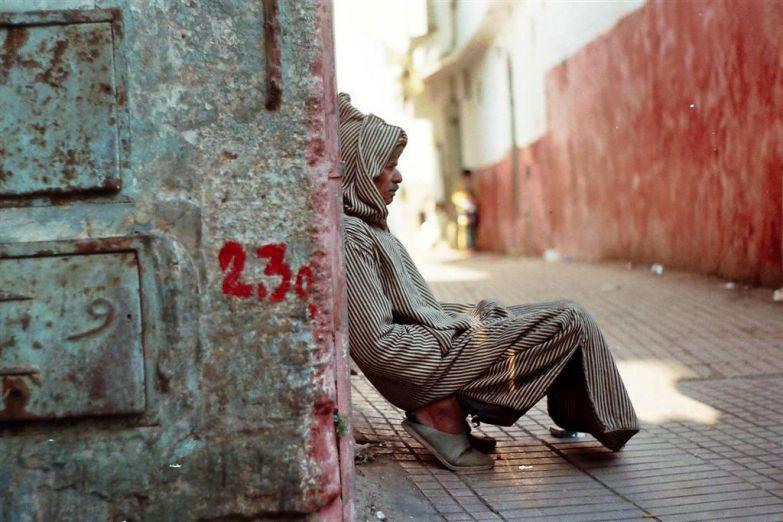 Нищий на улице в Марракеше