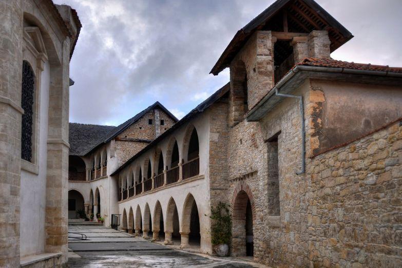 Монастрыь деревни Омодос