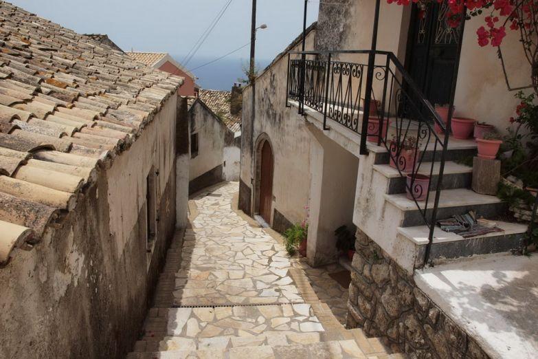 Деревня Лаконес