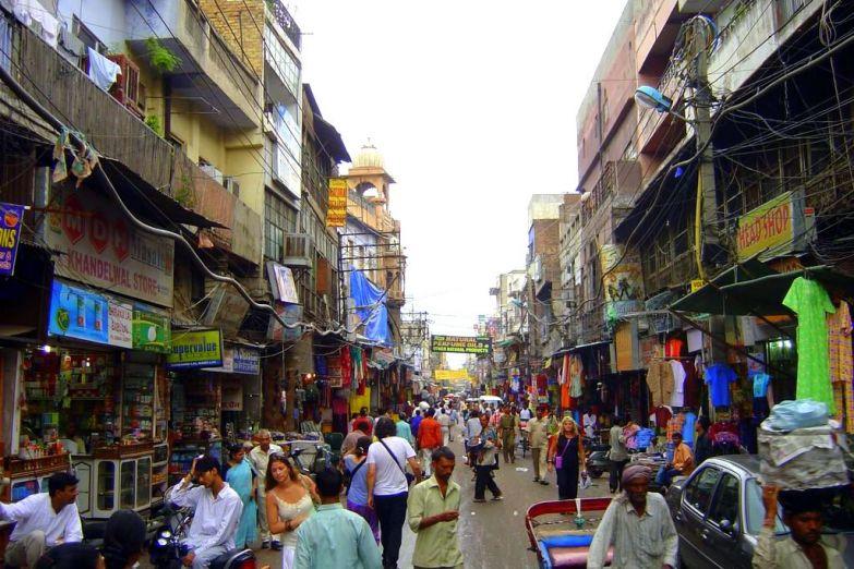 Популярная у туристов улица Мейн-Базар