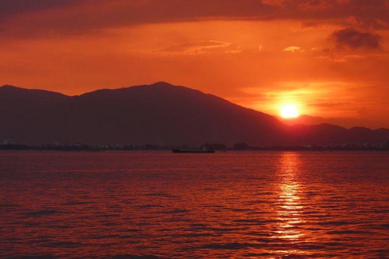 Закат над Нячангом