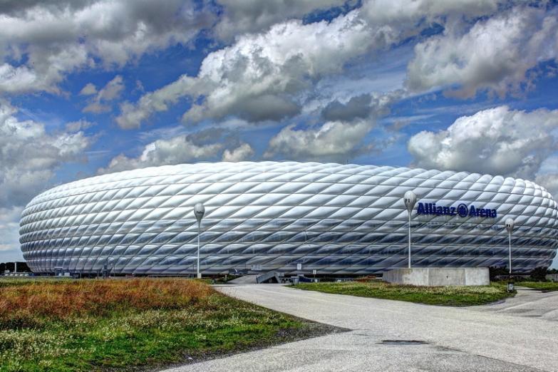 Футбольный стадион Альянц Арена