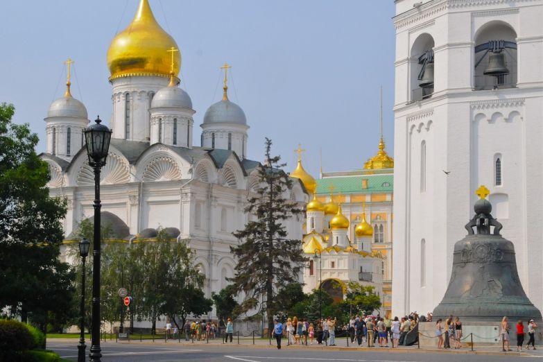 Внутри Кремля