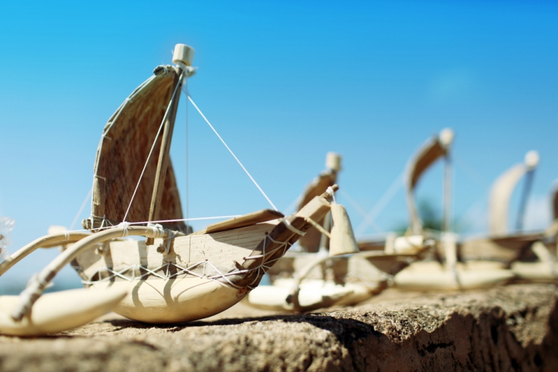 Сувенирные рыбачьи лодочки
