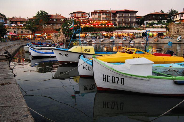Лодки у причала