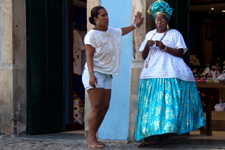 Старое и новое на улицах Сальвадора