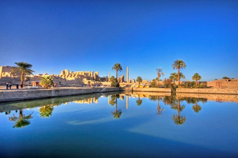 Священное озеро храма в Карнаке