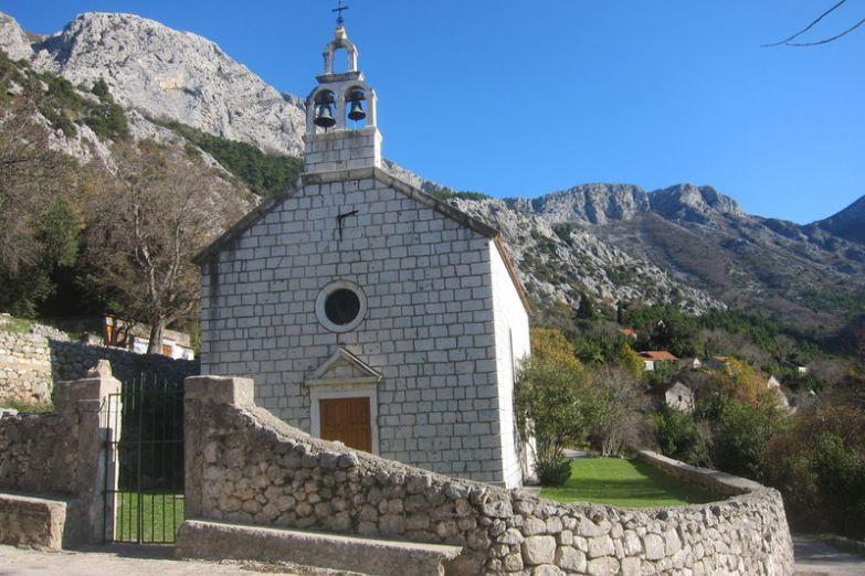 Церковь Св. Барбары в поселке Заострог