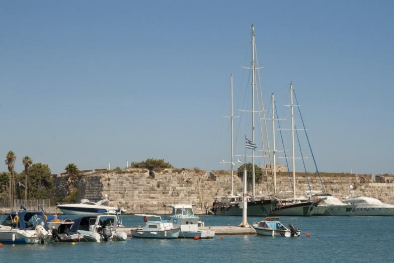 Столичный порт