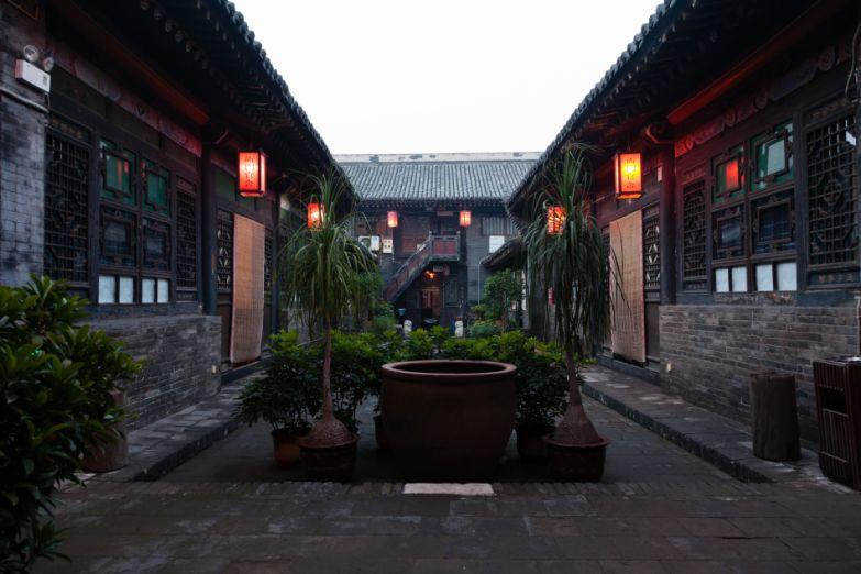 Двор в китайском доме