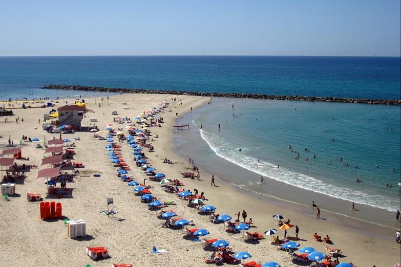Пляж в Нетании