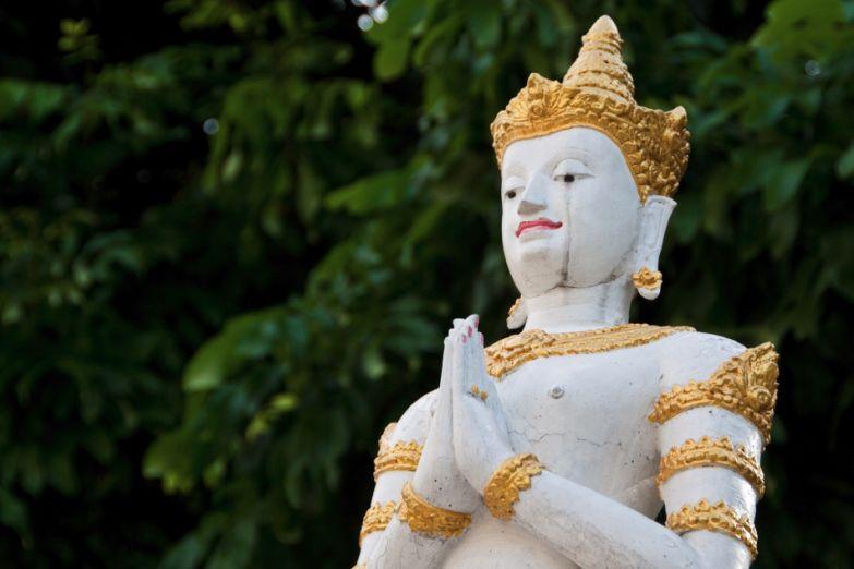 Статуя буддистского божества