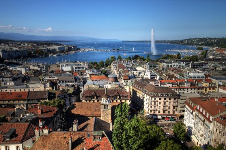 Вид на Женеву и Женевский фонтан