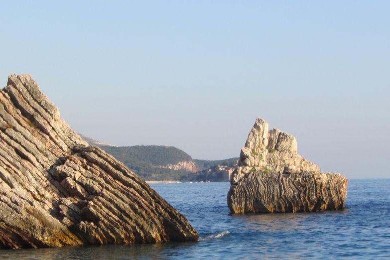 Остров у побережья