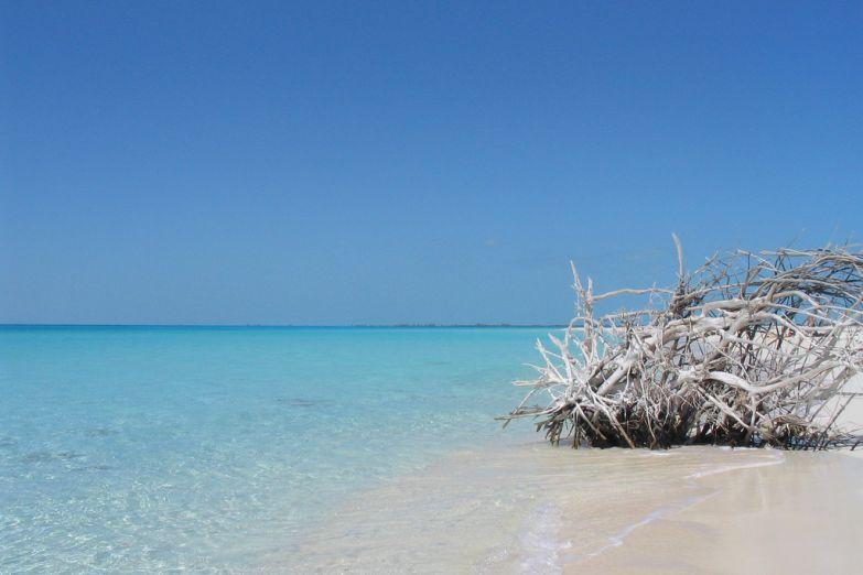 Пляж на острове Кайо Ларго, Куба