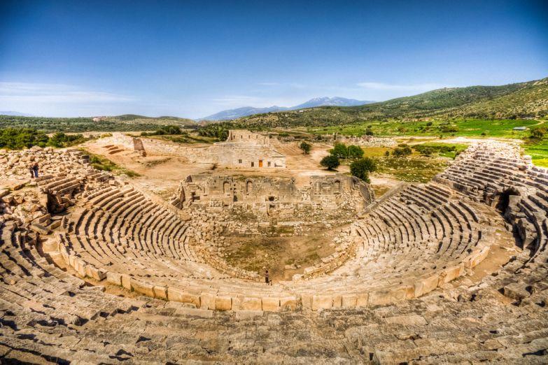 Руины греческого театра в Анталии