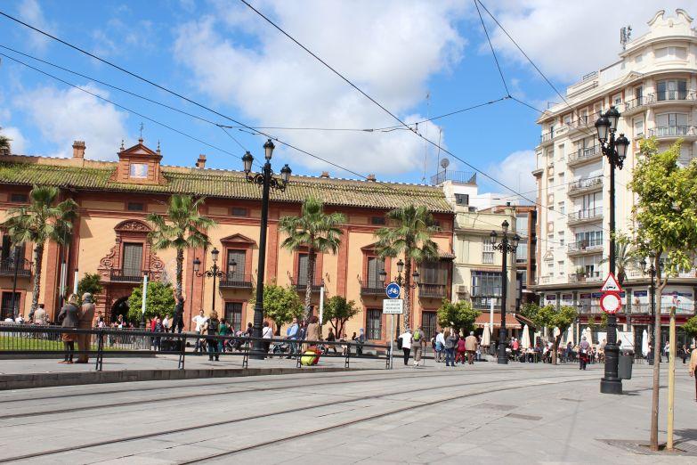 Улица Avenida de la Constitucion