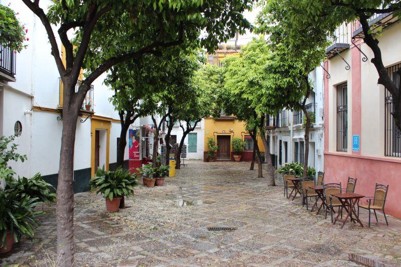 Традиционный дворик в центре города