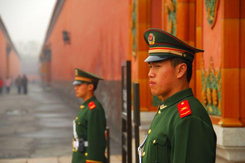 Солдаты на площади Тяньаньмэнь