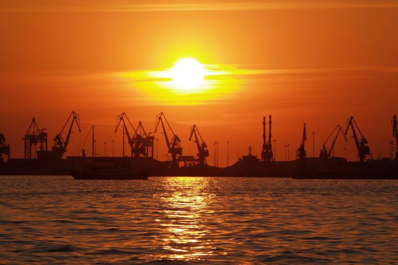 Морской порт в Салониках