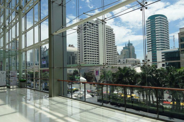 Вид из крупного ТЦ Central World