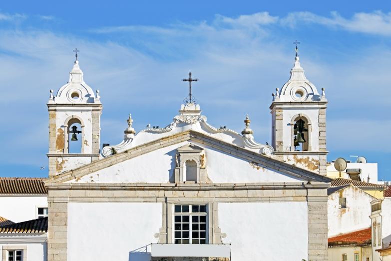 Страна древних католических соборов