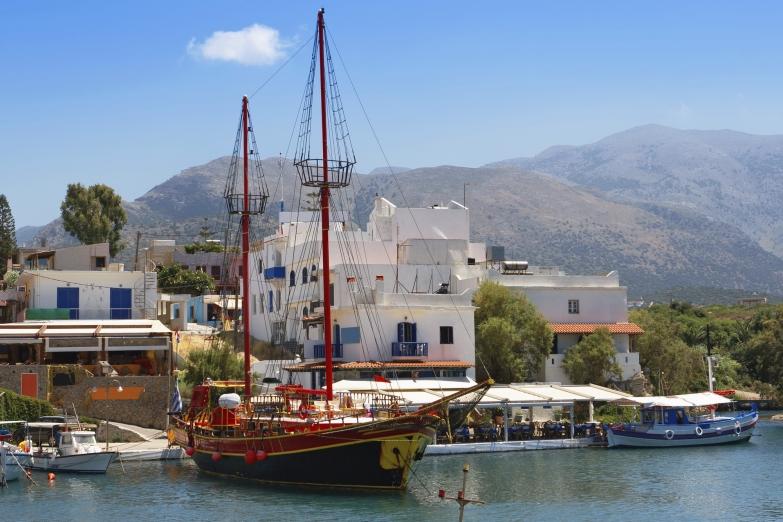 Гавань на Крите