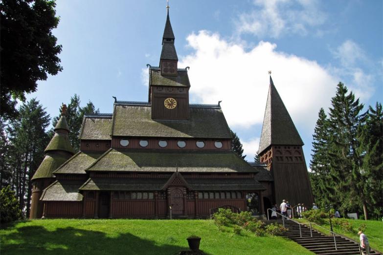 Деревянная церковь в городке Ханенкли