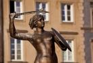 Статуя русалки - символ польской столицы