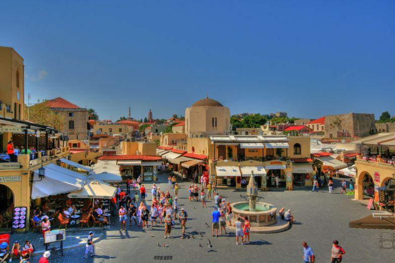 Площадь в старом городе Родос