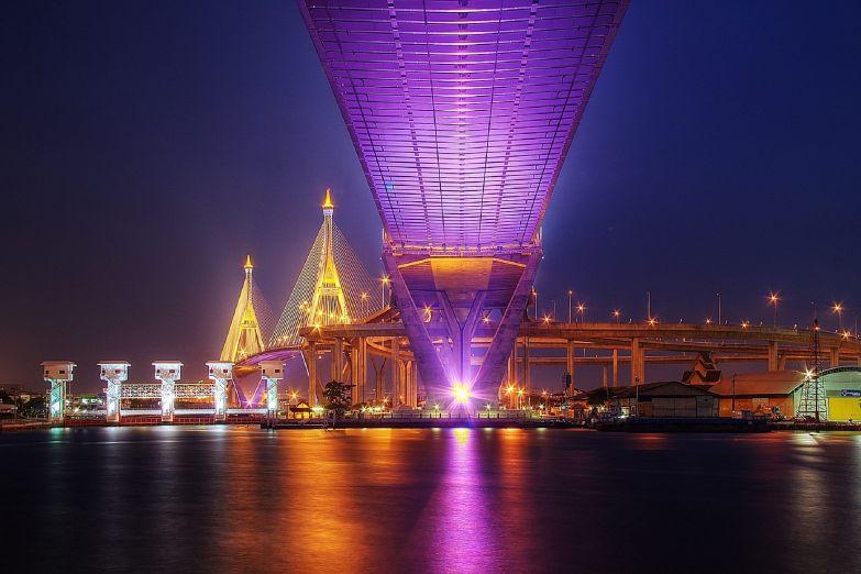 Иллюминация ночного Бангкока