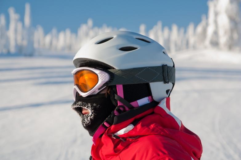 Лыжник на курорте Рука
