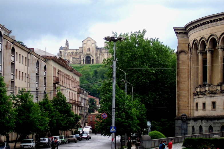 На улицах Кутаиси