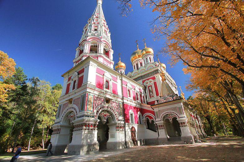 Русская церковь в городе Шипка