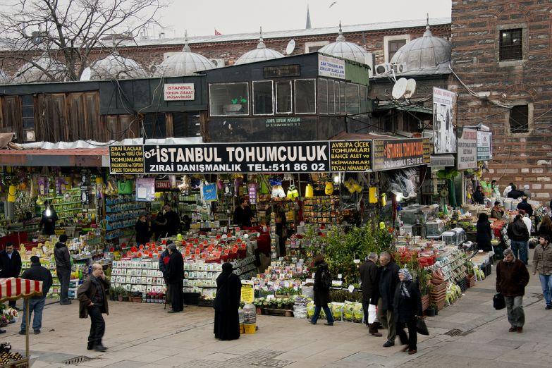 Уличный рынок в Стамбуле