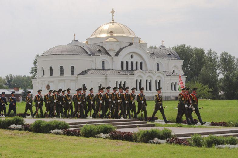 Караул в Брестской крепости