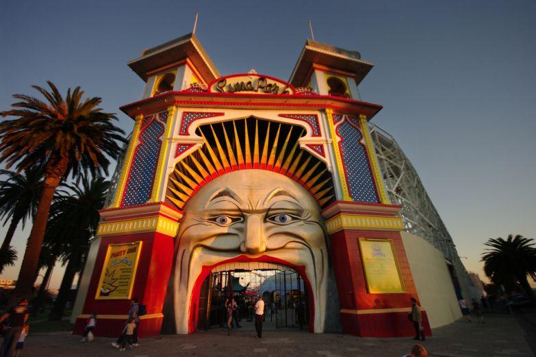 Парк аттракционов Luna Park