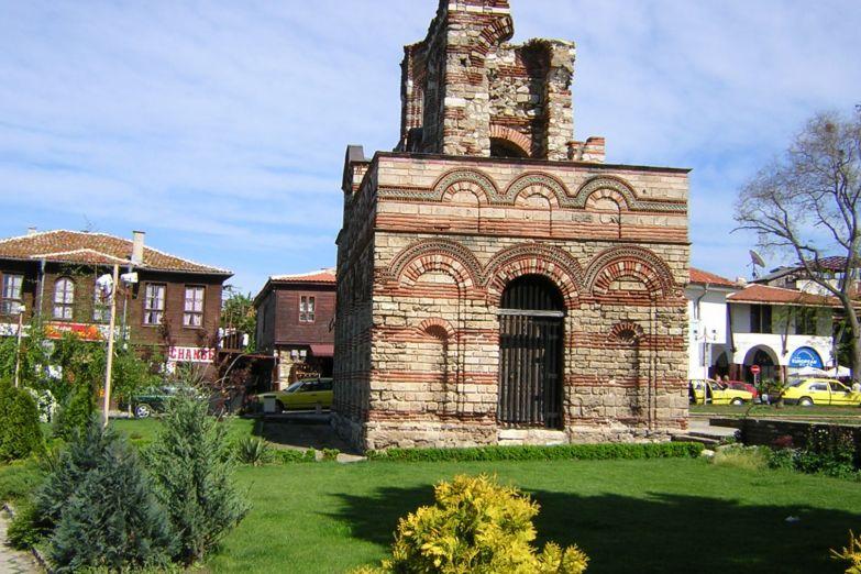 Средневековая церковь в старом городе