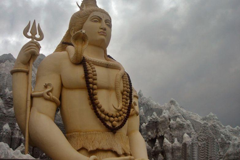 Статуя Шивы в Бангалоре