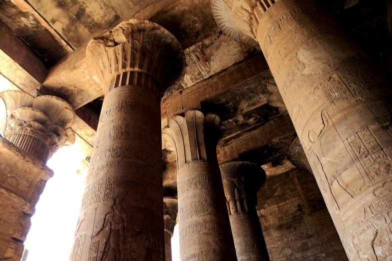 Храм в Идфу