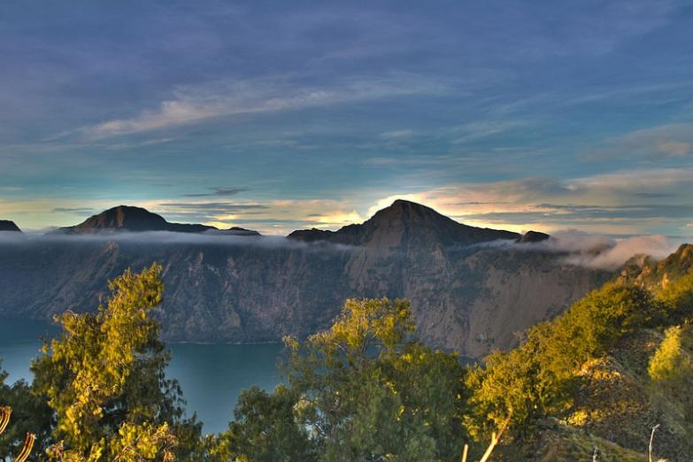 Вулкан Риджани на острове Ломбок