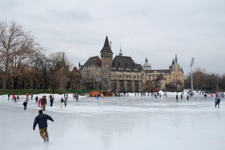 Катание на коньках в Будапеште