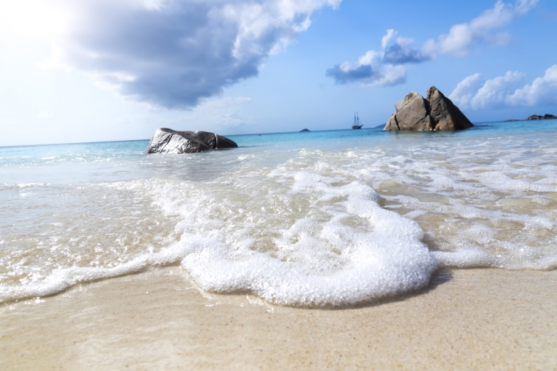 Пляжи острова Ла-Диг